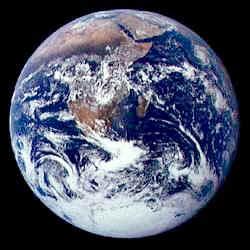 La Terre vue par l'équipage d'Apollo 17 en route vers la Lune